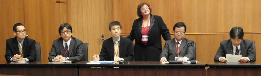 """Представители издательств """"Сёгакукан"""" и """"Коданся"""" на семинаре 2010 г. в Москве"""