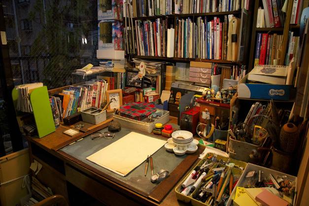 Рабочее место Мидзуки Сигэру ⓒ фото 水木プロダクション